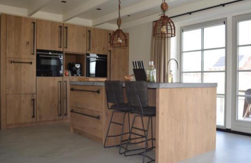Industriële keuken eikenhout betonlook