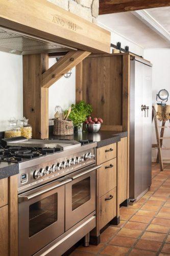 Landelijke houten keuken9